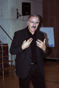 Ahmet Demir . Jeg ønsker at være kendt for
